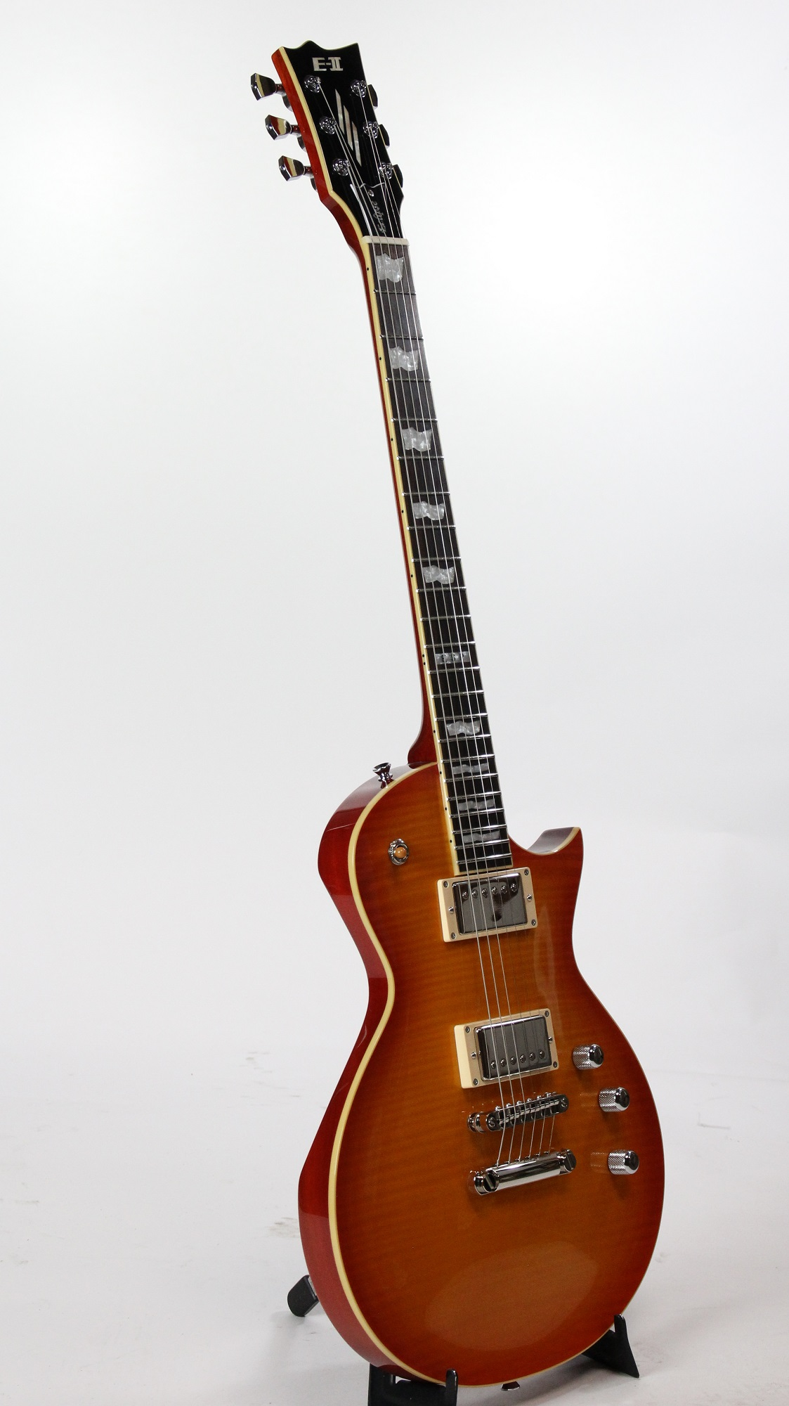 how to clean electric guitar strings