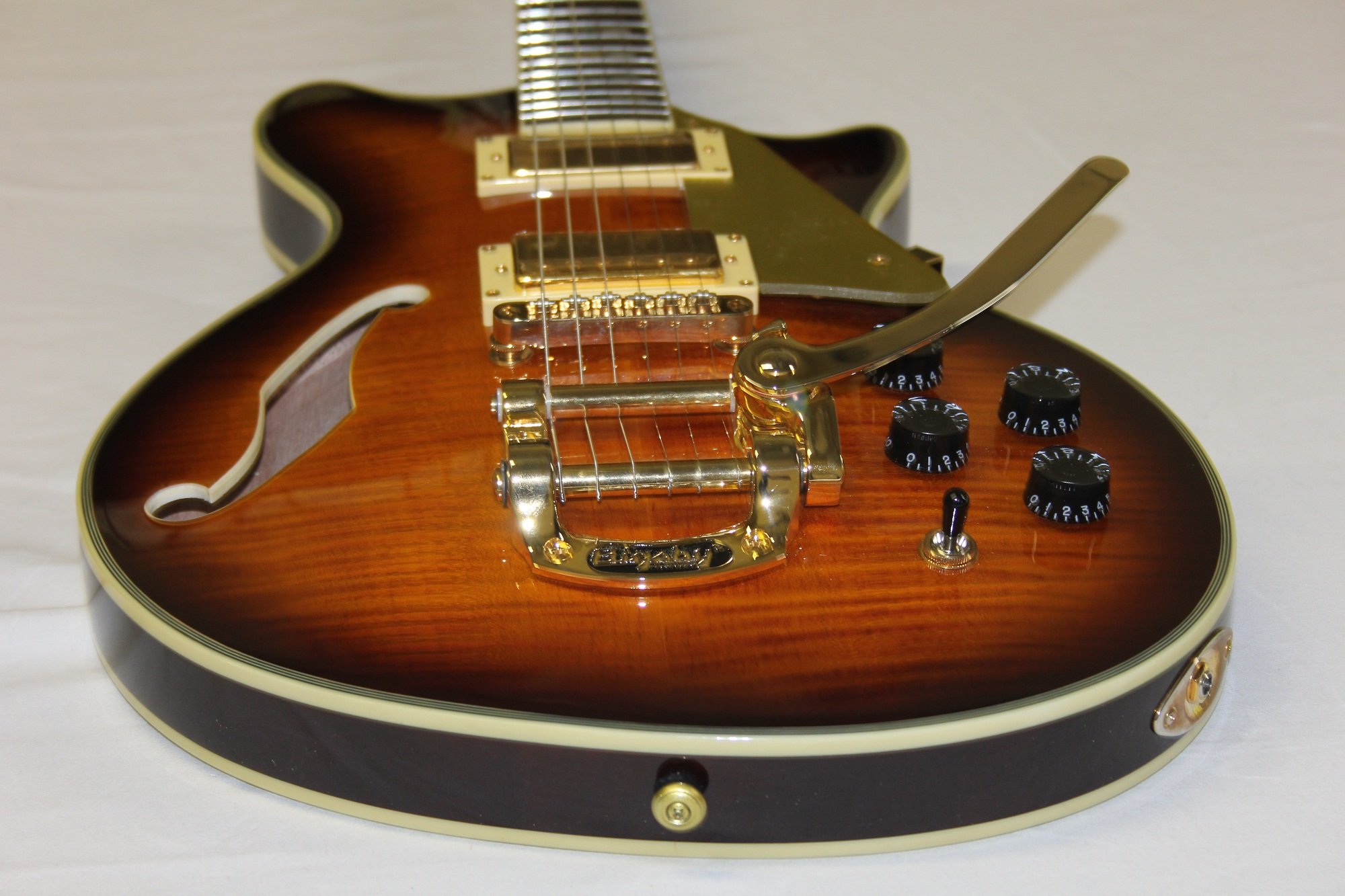 new esp ltd xtone pc 2v paramount brown sunburst sample. Black Bedroom Furniture Sets. Home Design Ideas