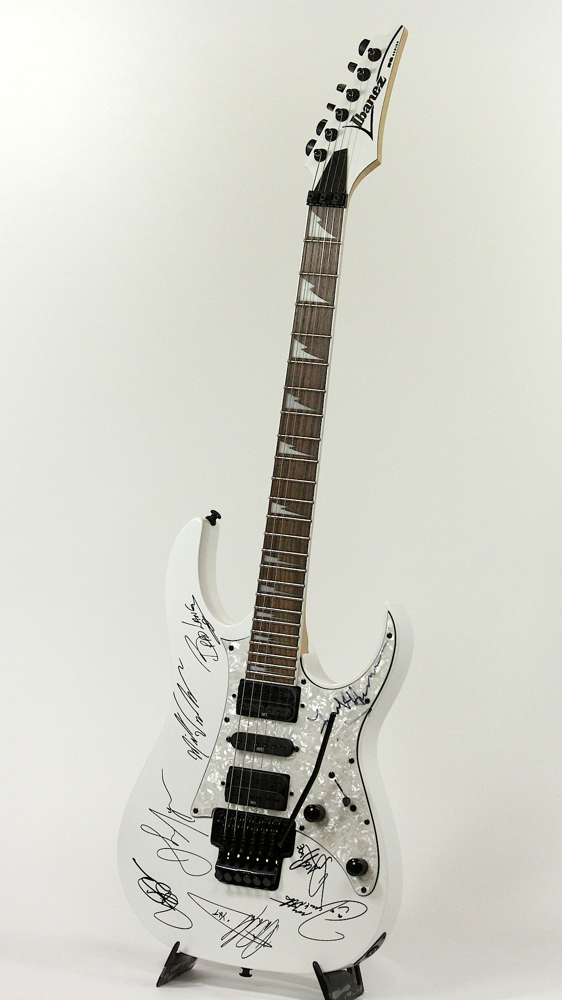 Ibanez Rg350dx Hand Signed By Y U0026t And Tesla Electric